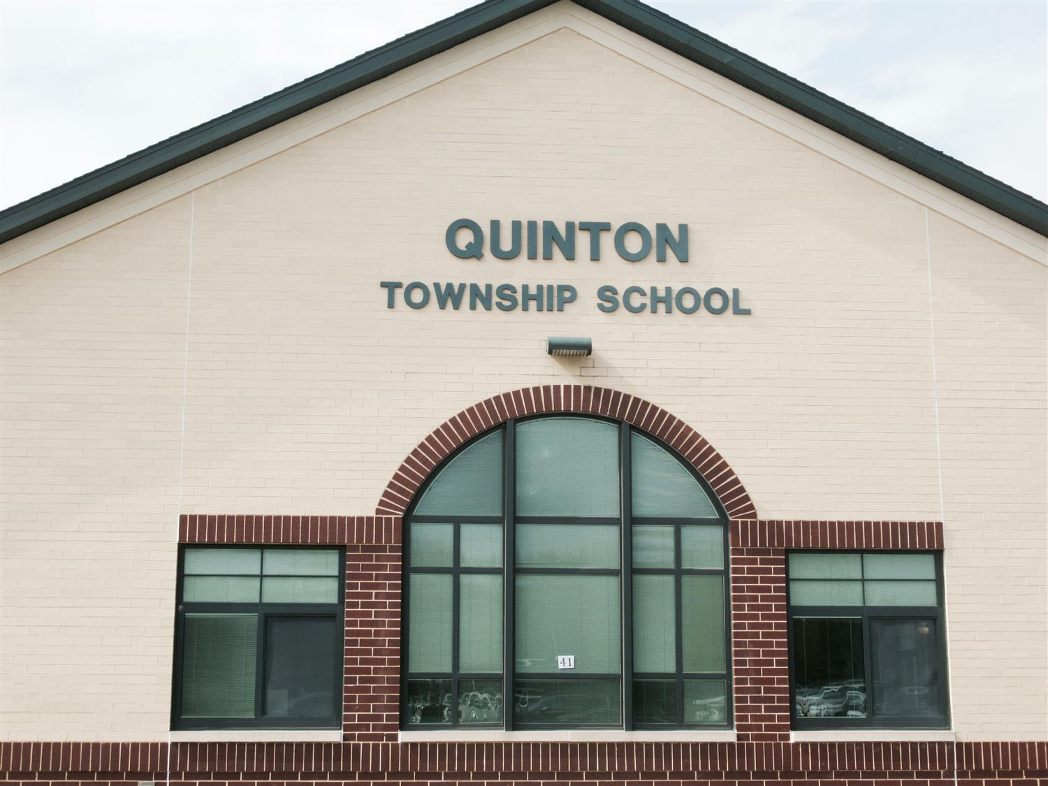 separation shoes 5dd49 1fb7e Quinton Township School District / Homepage